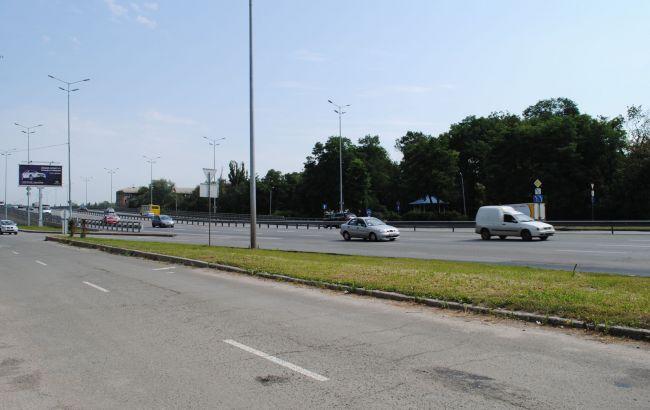 Фото: в Киеве ограничат движение на Столичном шоссе