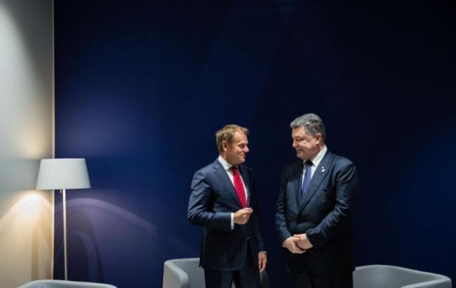Порошенко і Туск домовилися продовжити санкції проти Росії