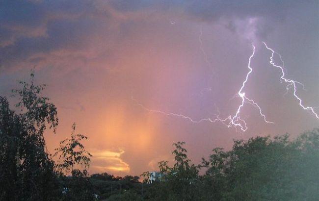 Фото: на українців Півдня і Сходу очікують сильні дощі