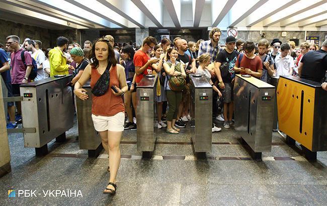 В Киеве в ночь на 4 и 9 июля продлят работу общественного транспорта