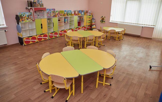 В Киеве утвердили возвращение детей в школы и детсады с 15 февраля