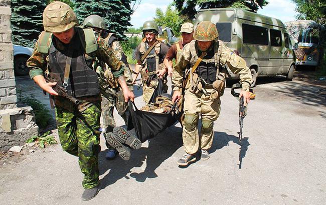 За добу в зоні АТО загинув один український військовий, четверо травмовані, - штаб