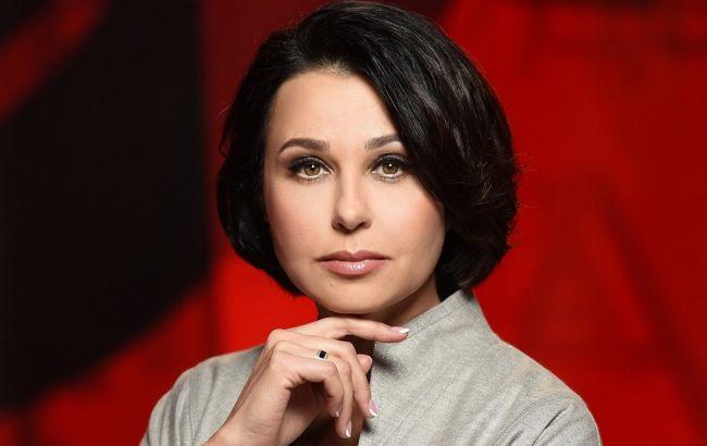 Ведущая Наталья Мосейчук заболела коронавирусом, хотя тест был отрицательный