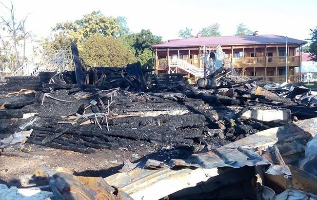 Фото: место пожара (facebook.com полиция Одесской области)