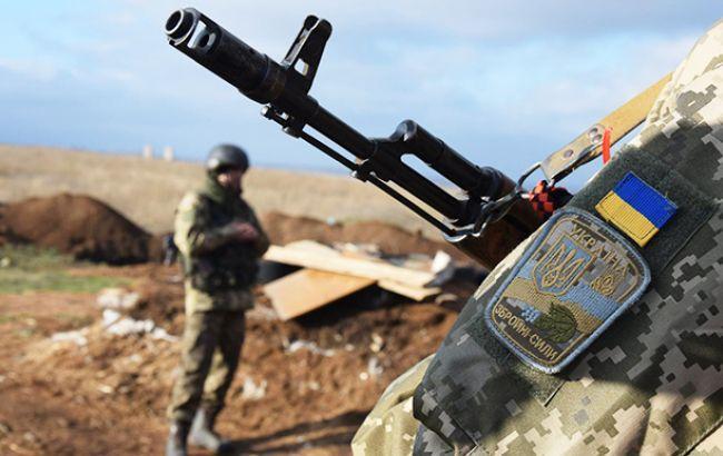 В зоні АТО за добу поранено одного українського військового