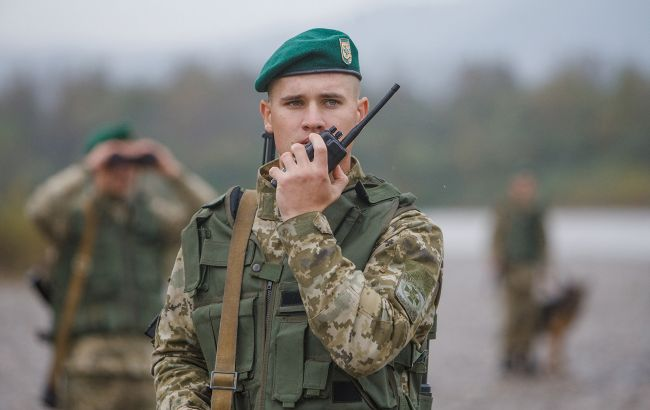 На кордоні зі Словаччиною затримали розшукуваного Інтерполом росіянина