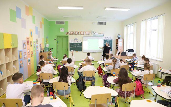 """К """"желтой"""" зоне в Одесской области готовы менее трети школ. В Хмельницкой - только 8%"""