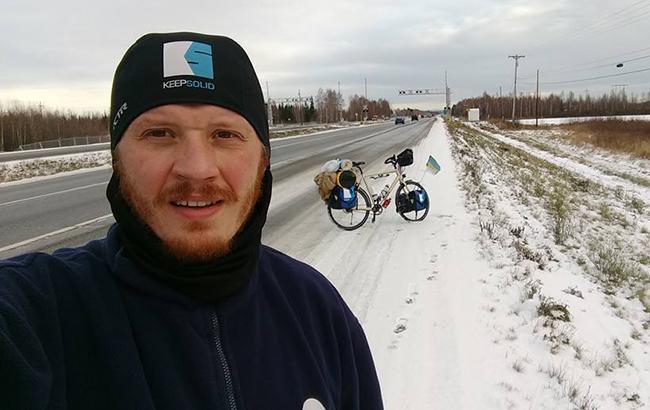 Знай наших: одесит відправився на велосипеді з Аляски до Мексики