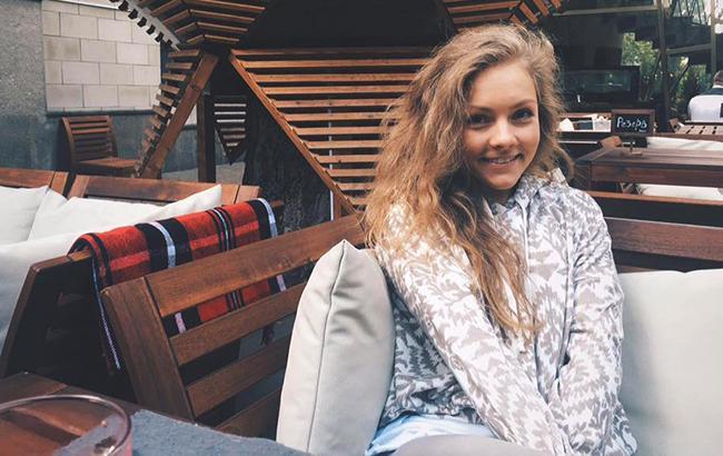 Знахідка з минулого: вагітна Олена Шоптенко показала несподіваний диплом