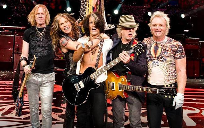Американская рок-группа отменила концерты из-за болезни вокалиста