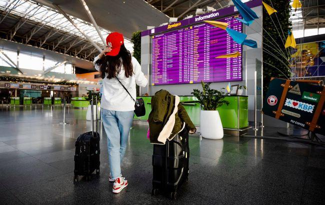 Из-за коронавируса в украинских аэропортах пассажиропоток упал на половину