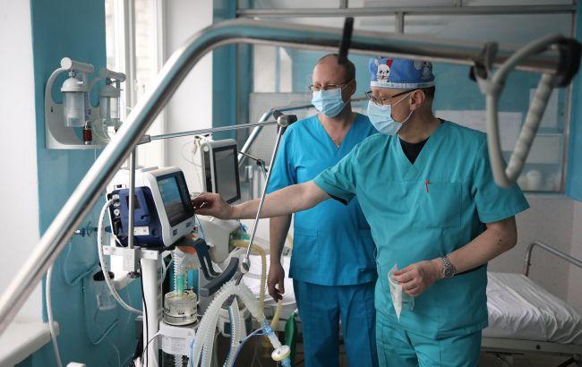 Спалах COVID в Україні: шести регіонам дали тиждень, щоб забезпечити лікарні киснем