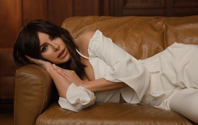 """Ані Лорак зганьбилася  на """"Пісні року"""": всі обговорюють її вбрання"""