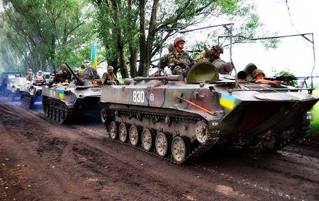 Бойовики обстріляли сили АТО із заборонених мінськими угодами мінометів та танків, - штаб