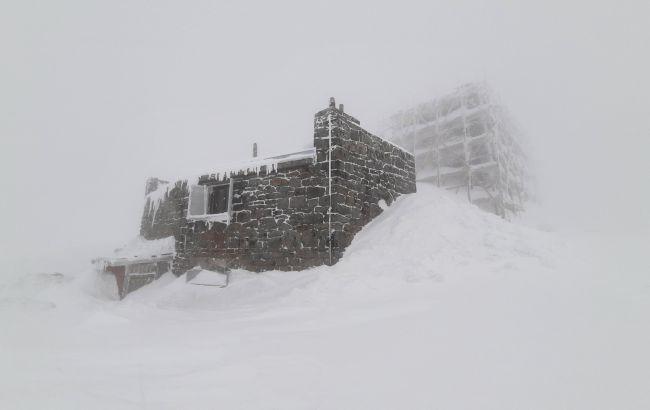 Україну в квітні продовжує замітати снігом: в деяких регіонах до -17 (фото)