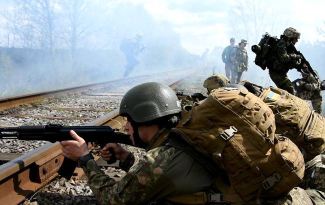 На Донбасі за день поранено трьох українських військових, - ООС