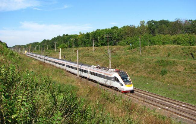 Поезд Черновцы-Львов будет курсировать в Луцк из-за обвала автомобильного моста
