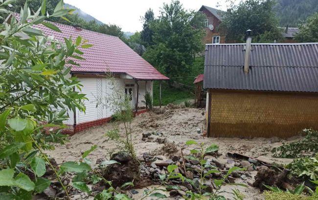 Семиклассница получила медаль за спасение четырех детей из наводнения на Закарпатье