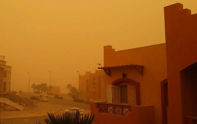 Песчаная буря в Египте: транспортное сообщение в стране остановлено