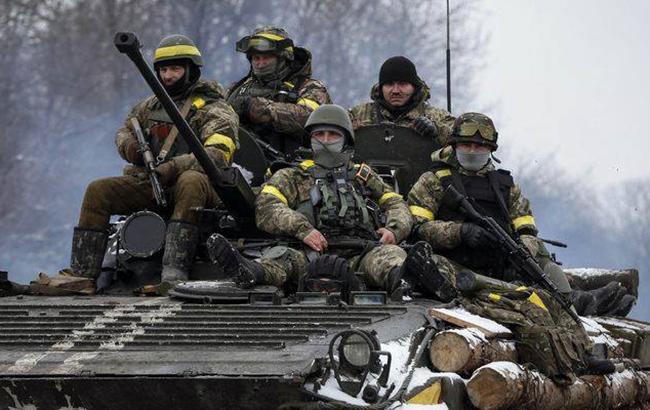 В центре Киева прошел марш памяти погибших защитников Дебальцево