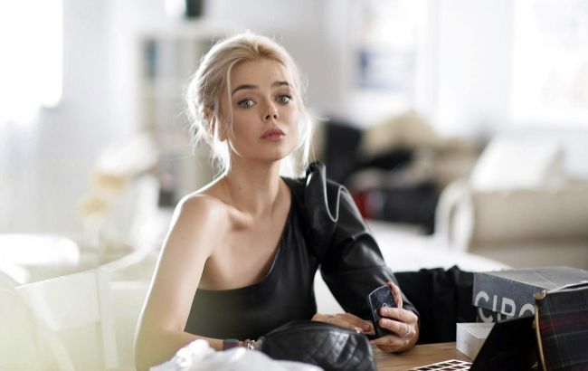 Аліну Гросу засікли в обіймах російського актора: співачка заінтригувала заявою