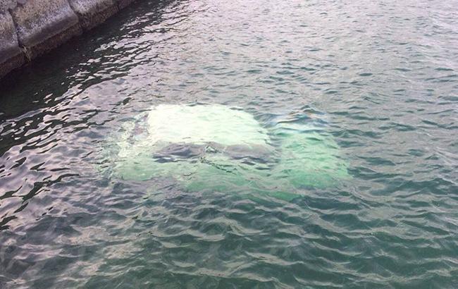 Водитель был трезв: в Сухом лимане затонула машина с людьми (фото)