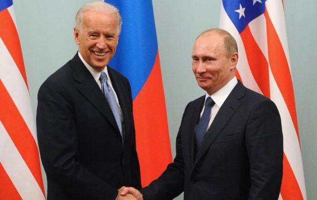 У Зеленського прокоментували розмову Путіна з Байденом
