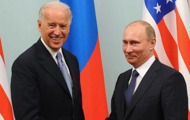 """Байден прямо заявил Путину об агрессии в Украине: в Кремле """"категорически не согласны"""""""
