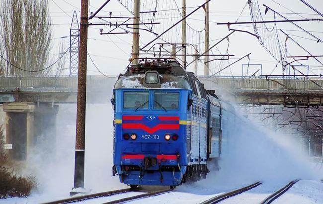 Из-за снегопадов в Полтавской области назначили дополнительные поезда