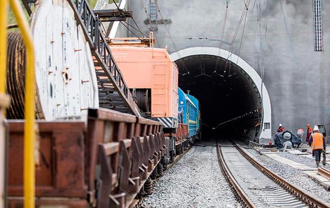Фото: Бескидский тоннель (facebook.com Kravtsov.Evg)