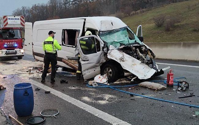 У Словаччині автобус з українцями потрапив у ДТП, є жертва