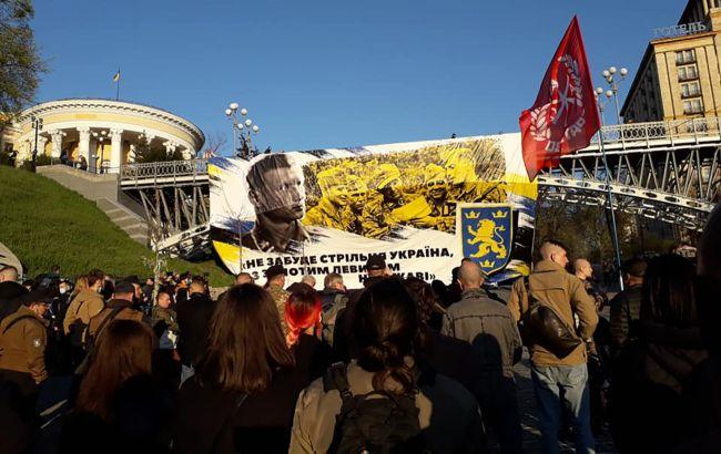 """Учасник маршу на честь дивізії """"Галичина"""" пояснив скандальний жест: що це було (фото, відео)"""