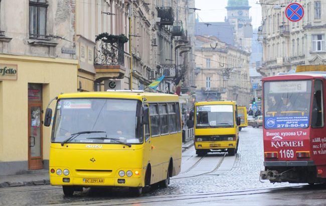 У Львові пропонують підняти вартість проїзду в маршрутках до 8 гривень