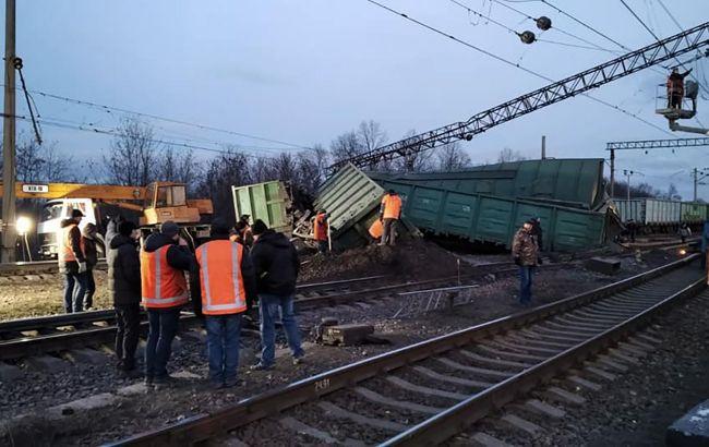 Аварія на залізниці: рух через станцію під Дніпром повністю відновили