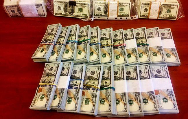 ГПУ затримала на хабарі 200 тис. доларів голову Держгеокадастру у Закарпатській області