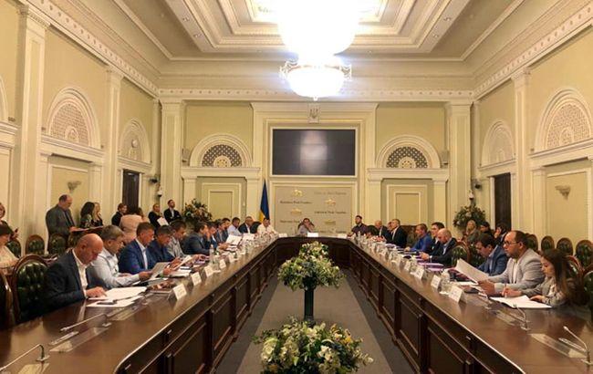 Комітет ВР розгляне зміни до Земельного кодексу для боротьби з рейдерством у середу