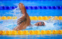 Пловец Романчук на Олимпиаде-2020 установил рекорд и еще с одним украинцем пробился в финал