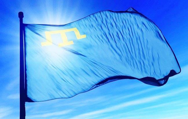 Иллюстративное фото: флаг крымских татар (facebook.com petroporoshenko)