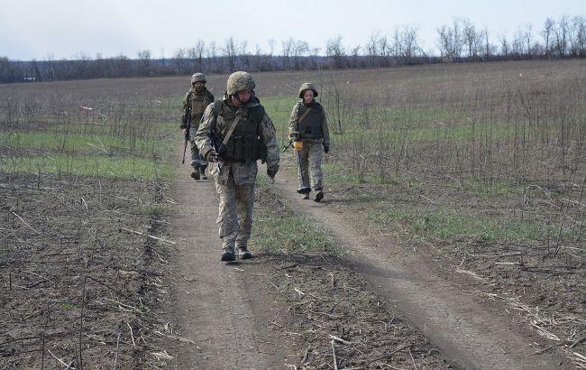 На Донбасі з гранатомета обстріляли військових біля Водяного