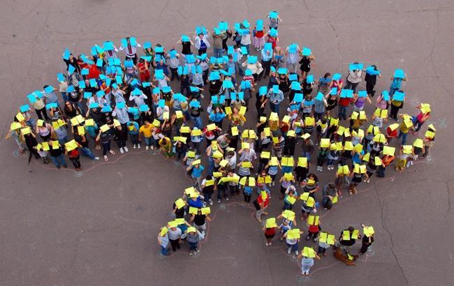 День волонтера: украинцы поблагодарили тех, без кого мы бы не справились