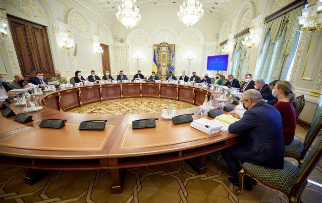 СНБО сегодня ввел санкции против более 60 лиц, - ОП