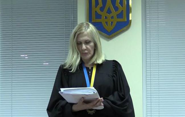 Дело судьи Власенковой начнут рассматривать в конце октября