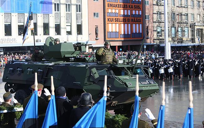 Экономика сегодня: ВЭстонии прошло факельное шествие вчесть 100-летия независимости