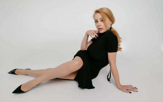 """Тіна Кароль зі словами """"Ганьба!"""" влаштувала скандал на сцені в Одесі (відео)"""