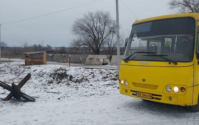 Под Киевом взорвалась маршрутка и выгорела до тла (видео)