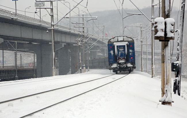Опоздание до 6 часов: из-за непогоды в Украине задерживаются два поезда