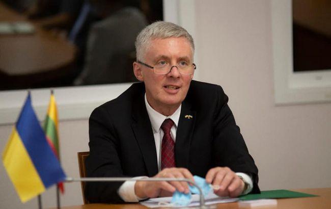 ЕС мог бы объявить Украину кандидатом на вступление в 2027, - посол Литвы
