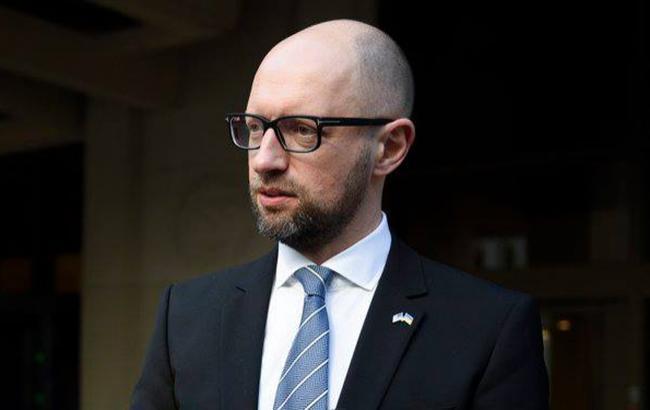Яценюк: по объему расходов на оборону в соотношении к ВВП Украина может быть членом НАТО