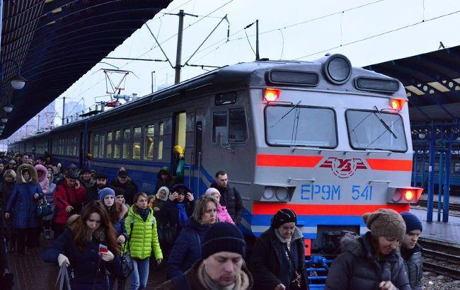 В Киеве с 9 декабря городская электричка будет курсировать по новому расписанию