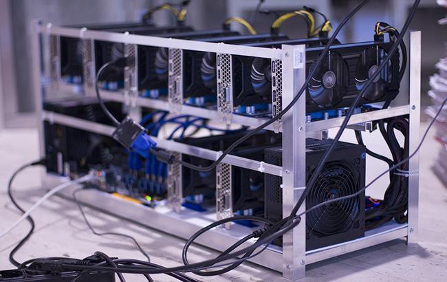 В Ісландії вкрали 600 комп'ютерів для майнінга біткоінів